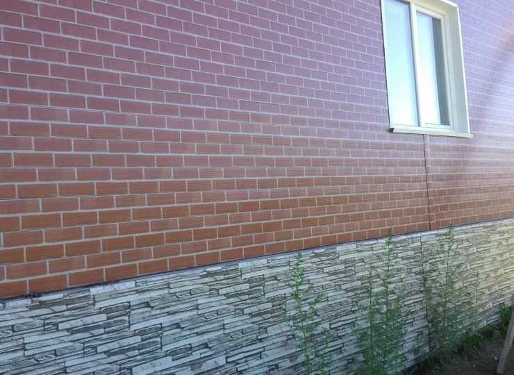 Фасадная панель гофрированная, покрытие PRINTECH, цвета: кирпич фасадный / белый камень